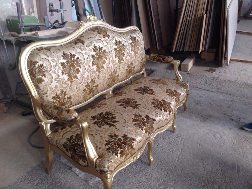 Ретро мебели на мода от магазин за мебели по поръчка Аквазар